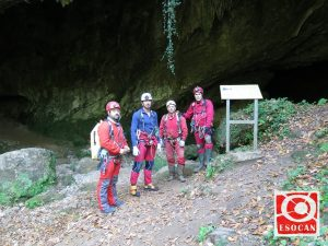 Cueva Valle, Rasines